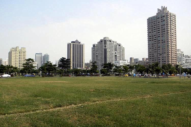 圖片:【高雄】重劃特區巡禮 陳偉殷也愛的農十六特區
