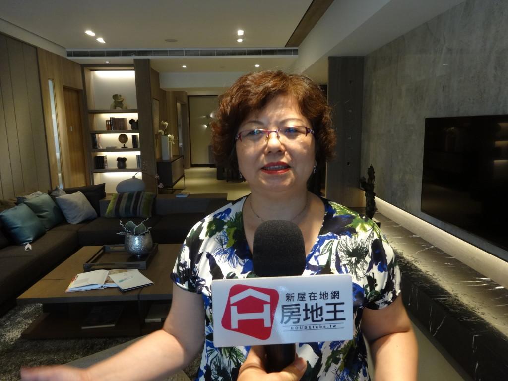 和豐家總經理吳淑蕙,接受房地王專訪