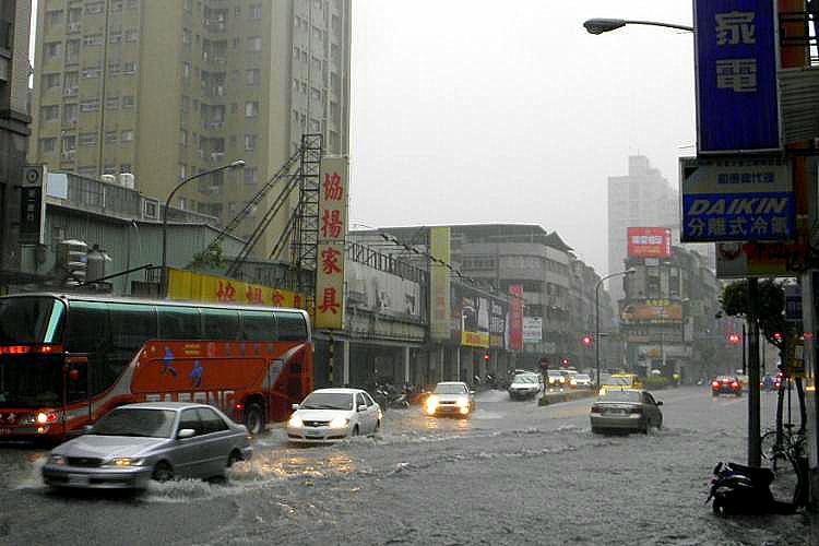 圖片:颱風洪水頻傳 你幫房子保險嗎?