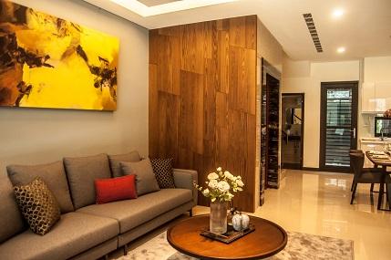 電梯木質牆面