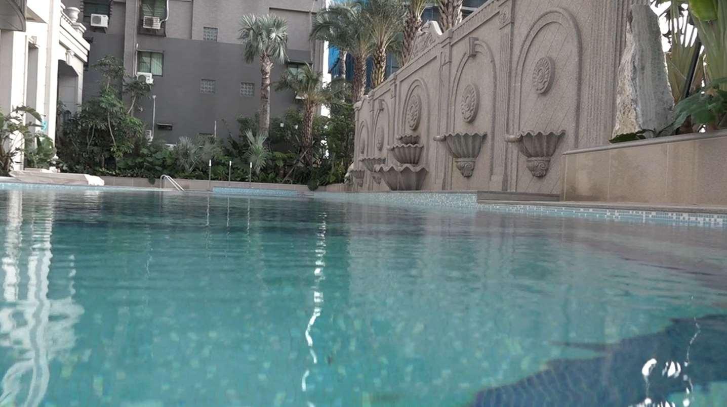 游泳池豪宅新建案