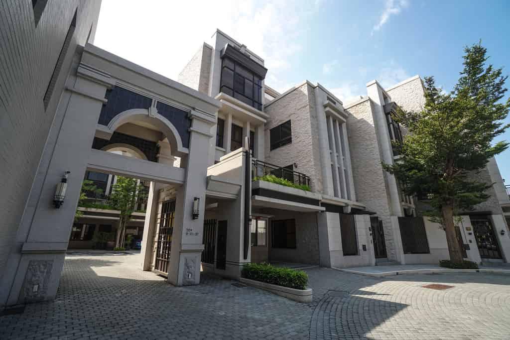 圖片:中興特區 | 璞仁建設【耀歐洲】新成屋電梯豪墅 英式囊底路街廓規劃