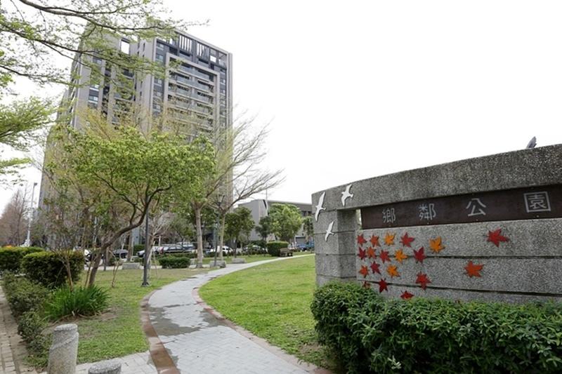 圖片:台中 | 惠宇新觀 太平新成屋 公設完善有迷人落羽松大道 門前就有超大公園
