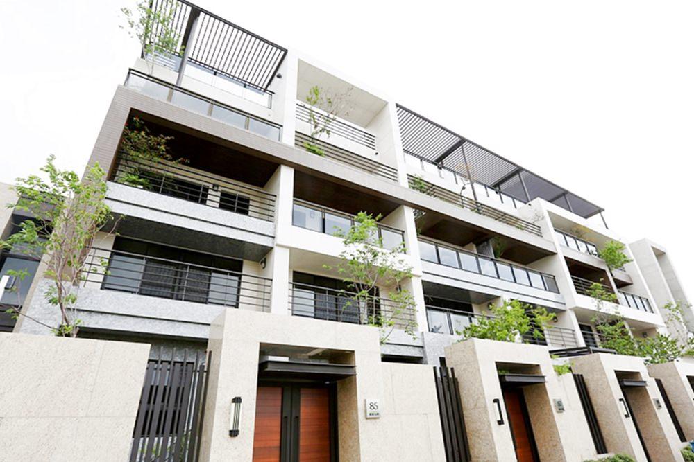圖片:台中南屯區電梯別墅 悅藝術 社區型精緻別墅 藝術家建設單元二新成屋
