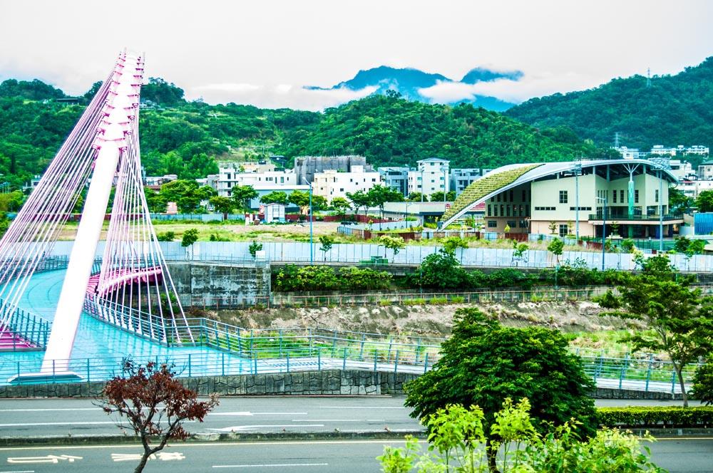 圖片:【七月沐樂】情人橋商圈崛起 109年新校招生 國際運動中心到位 74與市政中心接軌 高綠覆率養生移民特區