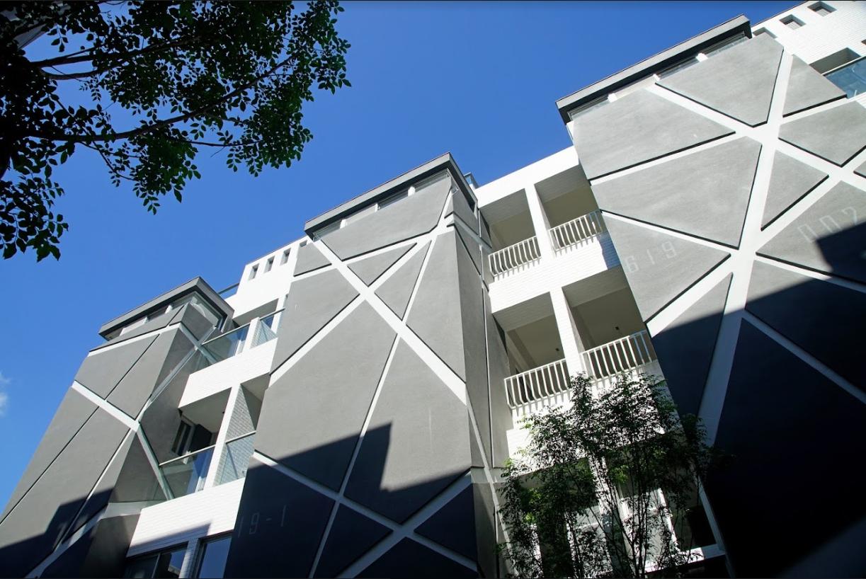 圖片:【Fun設計】台南市北區新屋 -建築會呼吸 揮灑藝術美學的時尚居所