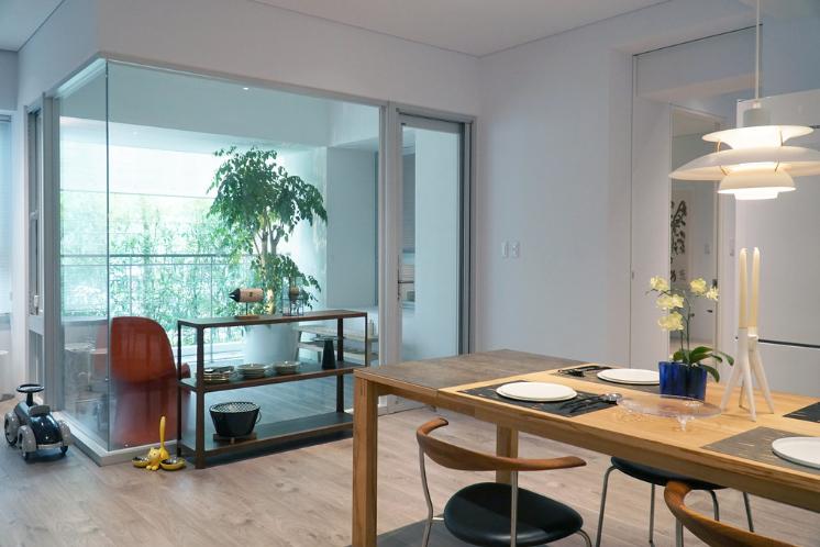 圖片:台中南屯新建案 | 打里摺建築 打里摺楓樹四季。通透大陽台延伸空間敞亮與生活尺度