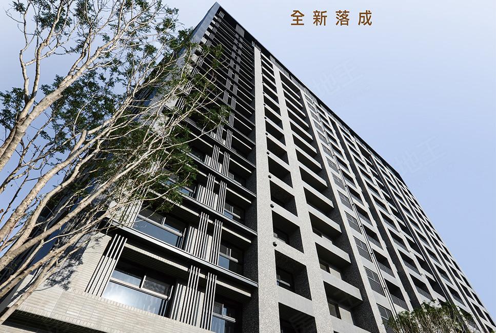 圖片:高雄市三民區成屋大樓店住【高雄站前】榮欣建設